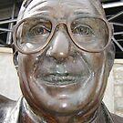 Joe Paterno Statue by clizzio