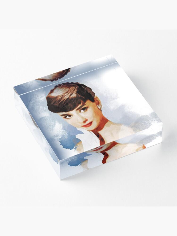 Vista alternativa de Bloque acrílico Audrey Hepburn, actriz de época