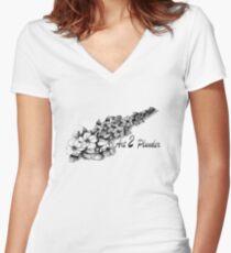 Art 2 Plunder Women's Fitted V-Neck T-Shirt