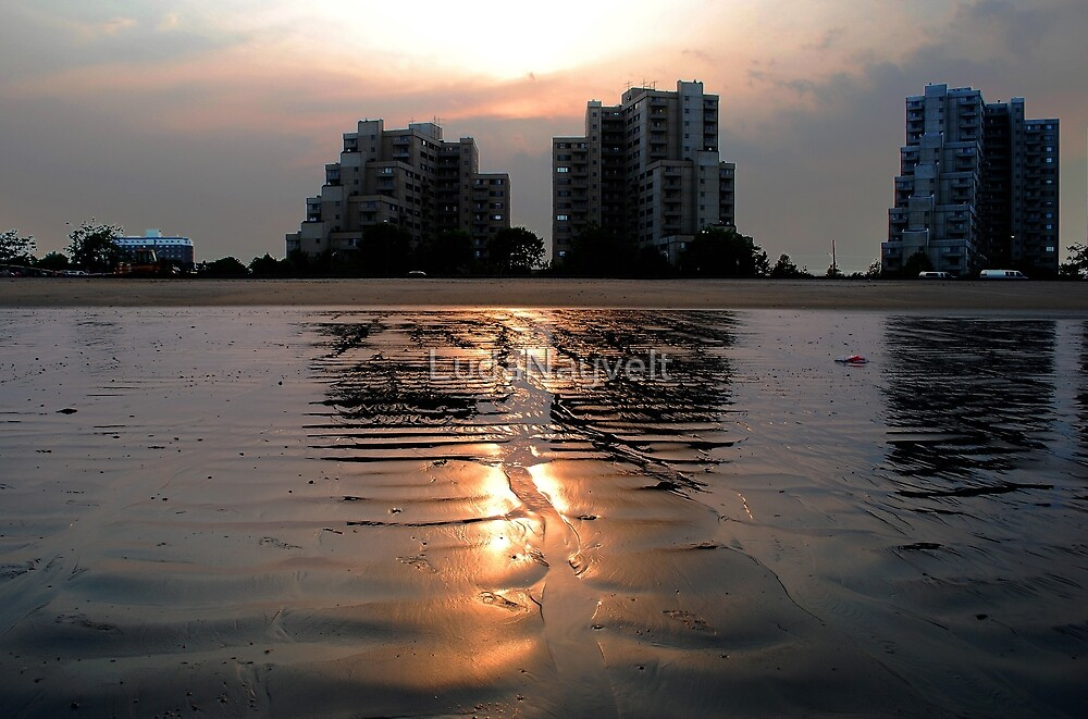 Sunset - Revere Beach, MA by LudaNayvelt