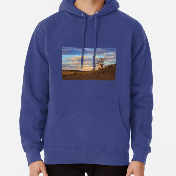 Lone tree at sunset Pullover Hoodie