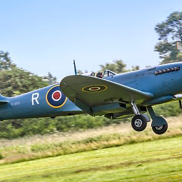 Spitfire PR.XI PL965/R G-MKXI landing by oscar533