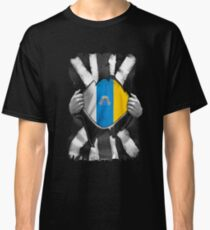 Roots - Canary Islands (Spain) Flag  Great Britain Black And White Flag Ripped Effect - Gift For  Classic T-Shirt