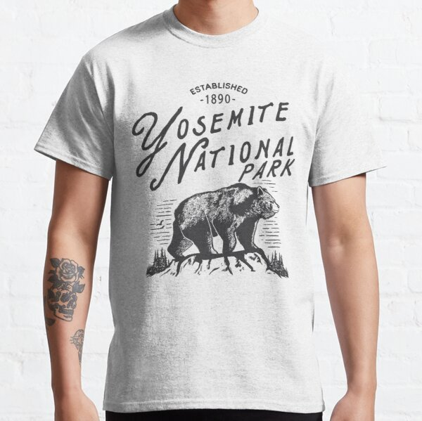 Yosemite National Park Bear Yosemite Established 1890 Classic T-Shirt
