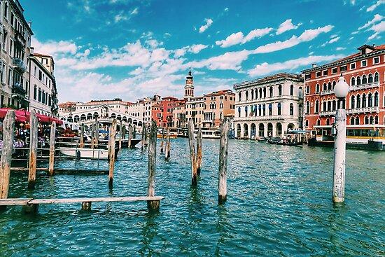 «Imagen azul del canal de Venecia» de Paul Mc Namara