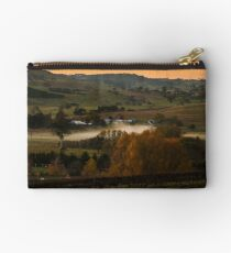 Winery Studio Pouch