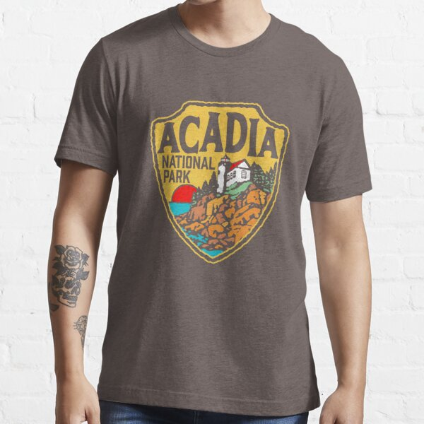 Acadia National Park Vintage Style Badge w/ Maine Coast & Lighthouse  Essential T-Shirt