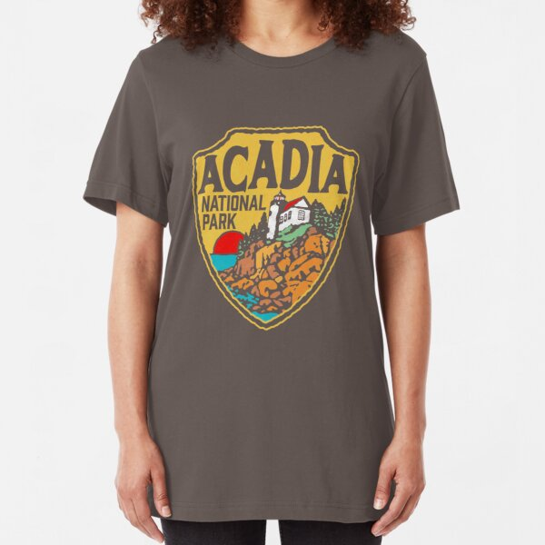 Acadia National Park Vintage Style Badge w/ Maine Coast & Lighthouse  Slim Fit T-Shirt