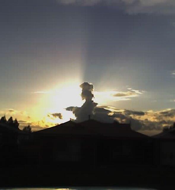 SUN AND CLOUD BALLARAT AUG 09 by raymondoantonio