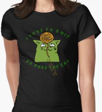 I Love To Knit - So Does The Cat Women's Fitted T-Shirt