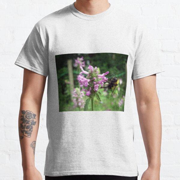 Blüte mit Biene Classic T-Shirt