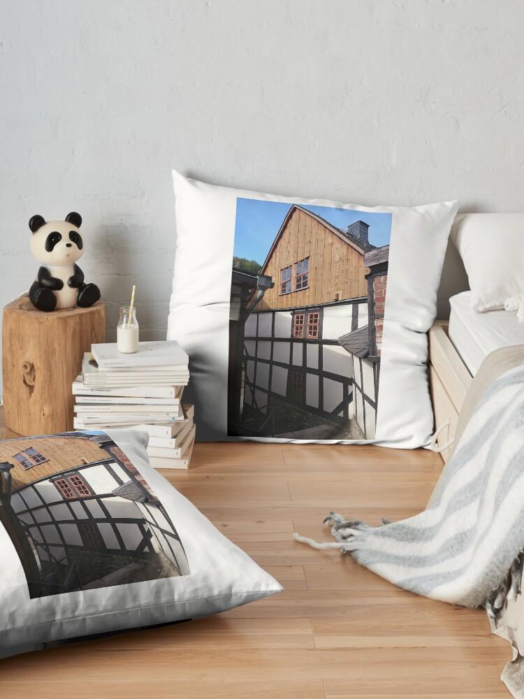 Alternative Ansicht von Fachwerkhaus in Stolberg / Harz Bodenkissen