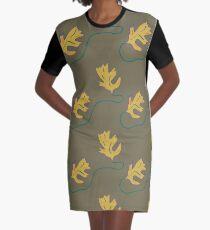 Herbstliches Blattmuster T-Shirt Kleid