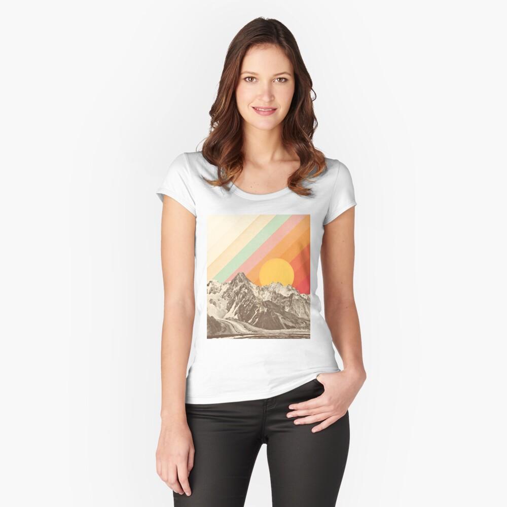 Berglandschaft # 1 Tailliertes Rundhals-Shirt
