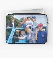 BTS Sommer 2018 (Gruppenplakat) Laptoptasche