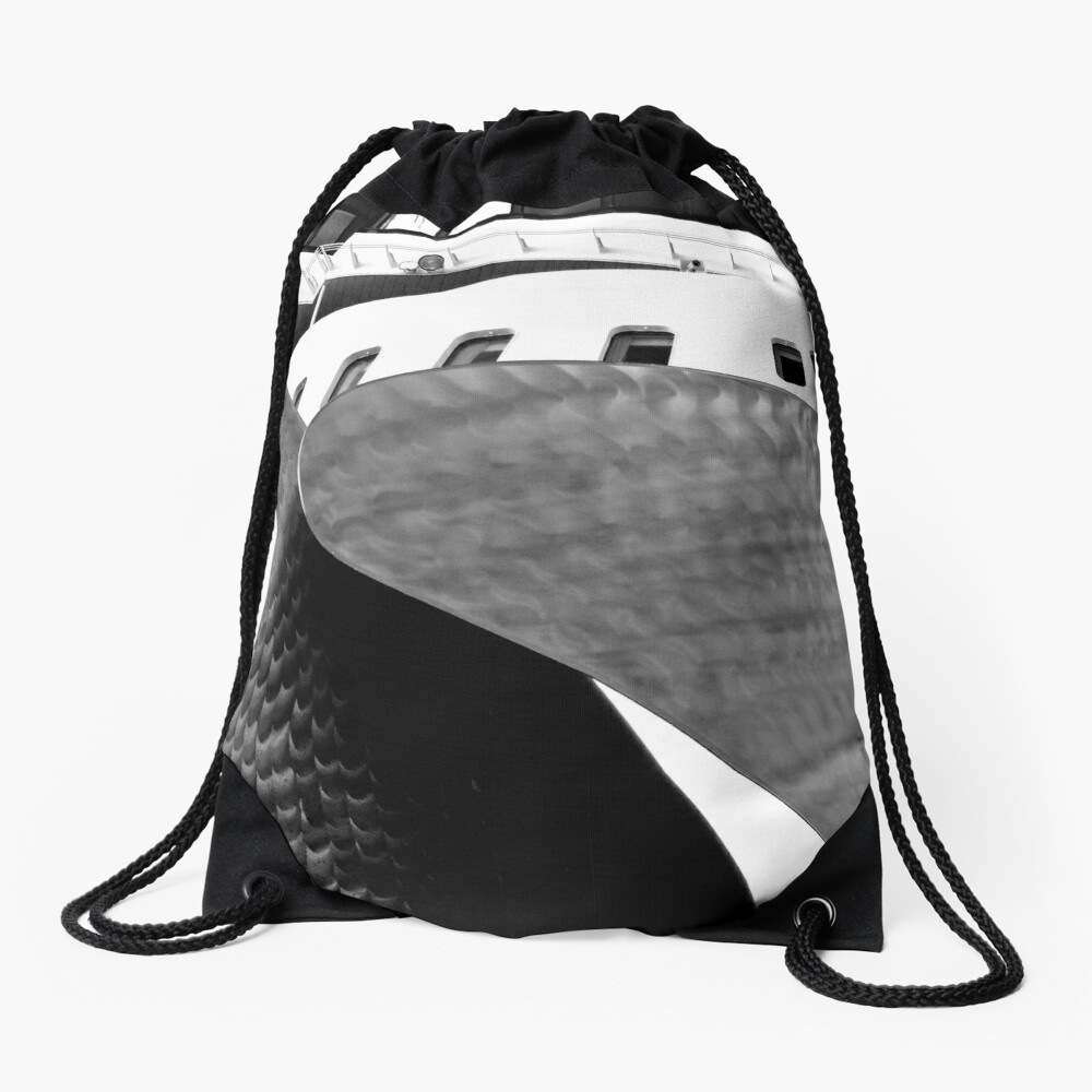 Queen Mary 2 Drawstring Bag