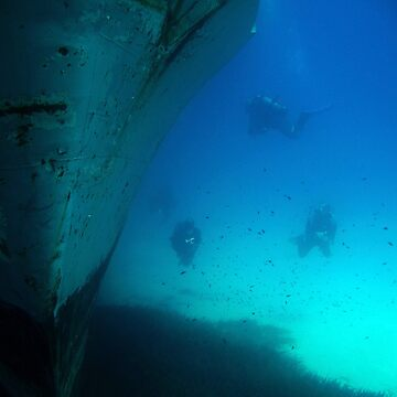 Diving the Wreck by DiveDJ
