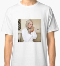 jeffree star sipping tea Classic T-Shirt