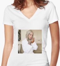 jeffree star sipping tea Women's Fitted V-Neck T-Shirt