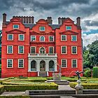 Kew Palace and Knot gardens by Viv Thompson