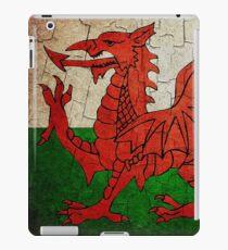 Grunge Wales Flagge iPad-Hülle & Klebefolie