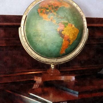 Globe on Piano by SudaP0408
