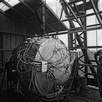 Trinity Test Bomb - Manhattan Project - 1945 by warishellstore