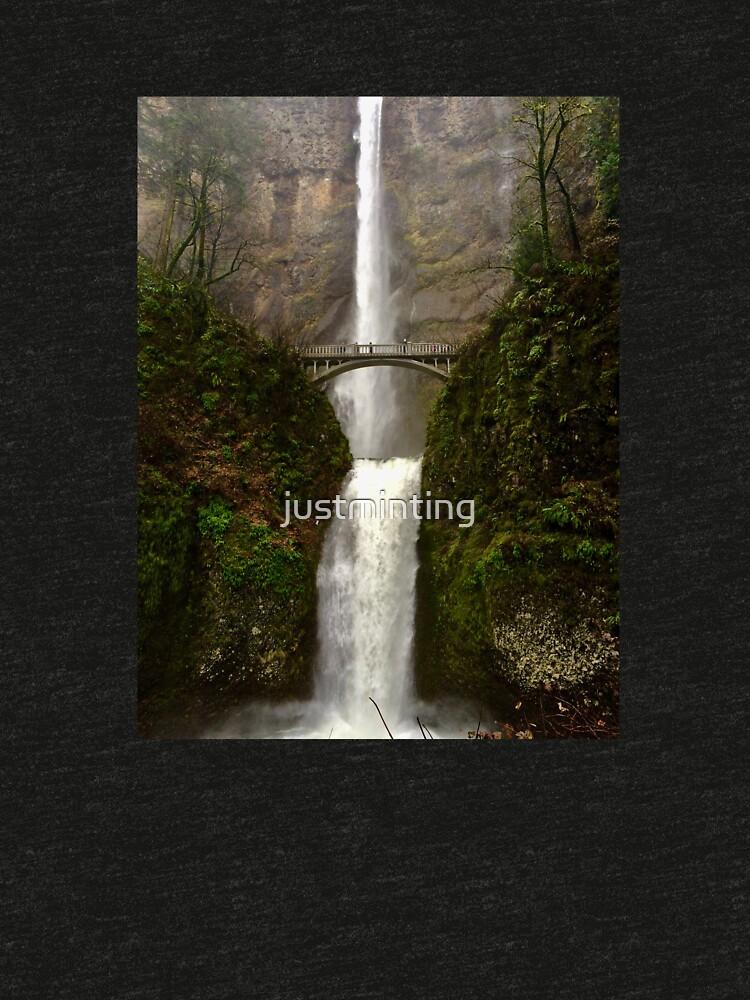 Multnomah Falls by justminting