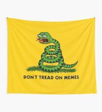 Treten Sie nicht auf Meme-Triggered Pepe- Wandbehang