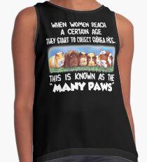 Les femmes à certains âges commencent à ramasser le t-shirt des cobayes Top duo