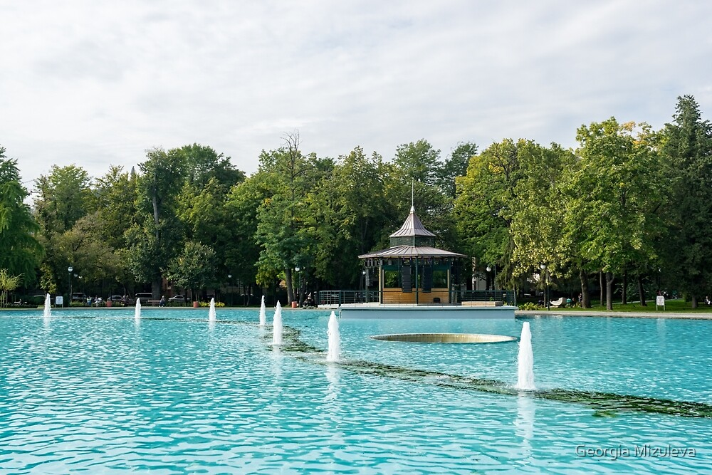 Plovdiv Singing Fountains - Bright Aquamarine Water, Dancing Jets and Music by Georgia Mizuleva