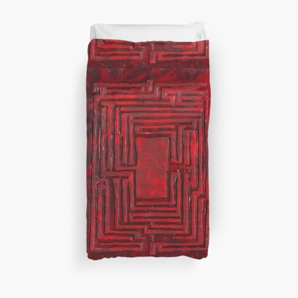 rusty labyrinth Duvet Cover