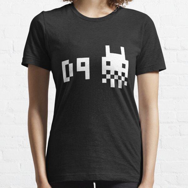 District 9 8 bit Essential T-Shirt