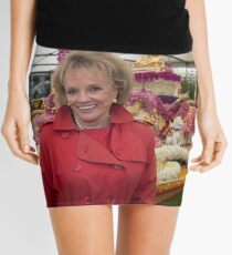 Esther Rantzen at the Chelsea flower show 2015 Mini Skirt