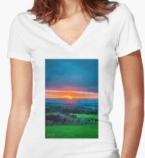 Dreamy Sunset Fitted V-Neck T-Shirt