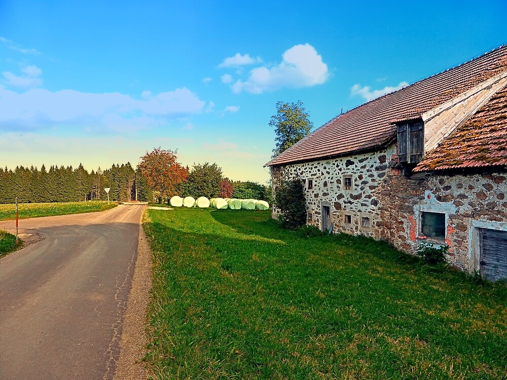 Traditional farmhouse scenery   landscape photography by Patrick Jobst