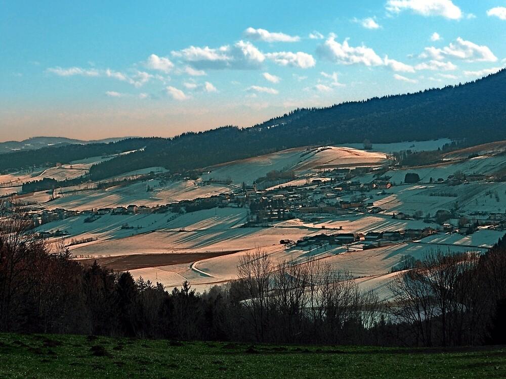 Winter wonderland valley scenery | landscape photography by Patrick Jobst