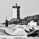 Kermorvan und die brechende Welle von Jean-Luc Rollier