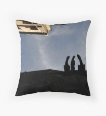 Chat in the street Throw Pillow