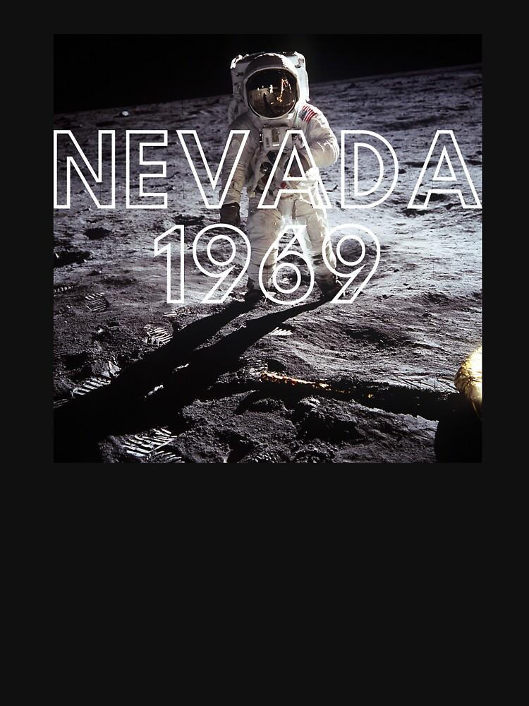 Fake Moon Landing Conspiracy Theory Nasa Lied T-Shirt by MadsJakobsen
