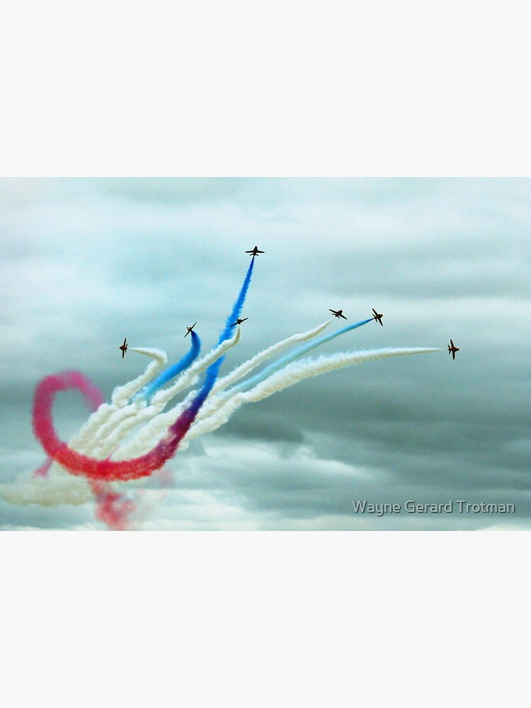 Red Arrows by redmoondragon