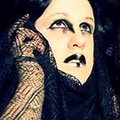 Atrum Decorus Raven by faythofdespair
