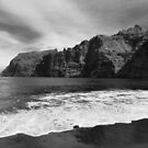 Magnificent beach in black and white | Canary Islands by LiriMor