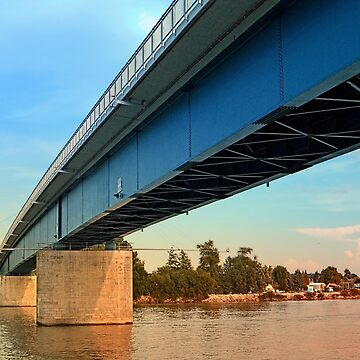 Bridge across the river Danube | architectural photography by patrickjobst
