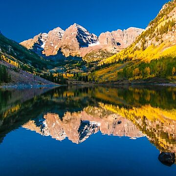 Maroon Bells Reflection by nikongreg