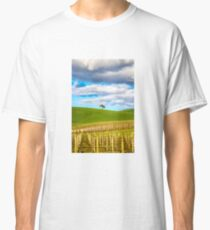Single tree Classic T-Shirt