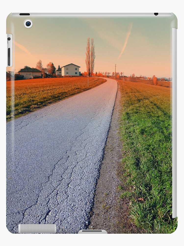 Country road into beautiful scenery | landscape photography by Patrick Jobst