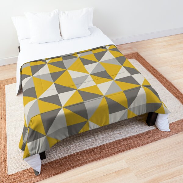 Retro Triangle Design in Yellow and Grey Comforter