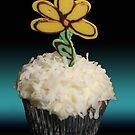 Flower Cupcake by tali