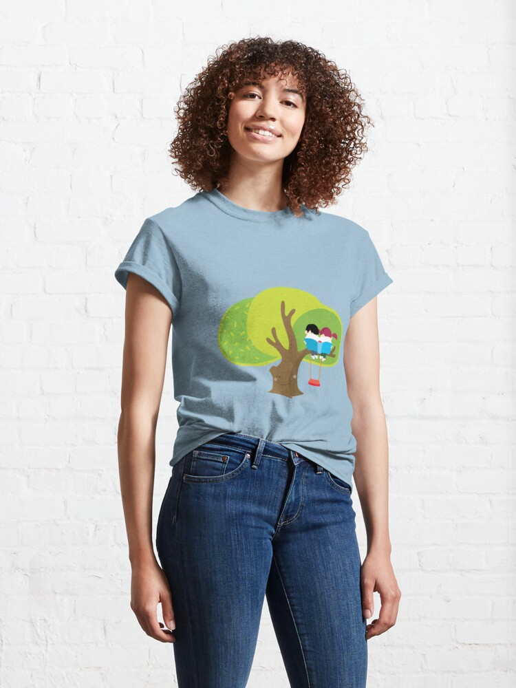 Alternate view of children read on the tree Classic T-Shirt